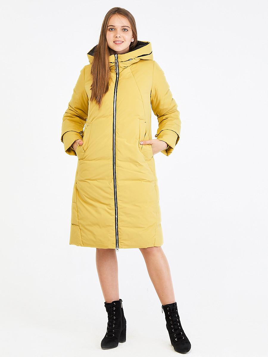 Купить оптом Куртка зимняя женская желтого цвета 100-927_56J в Екатеринбурге
