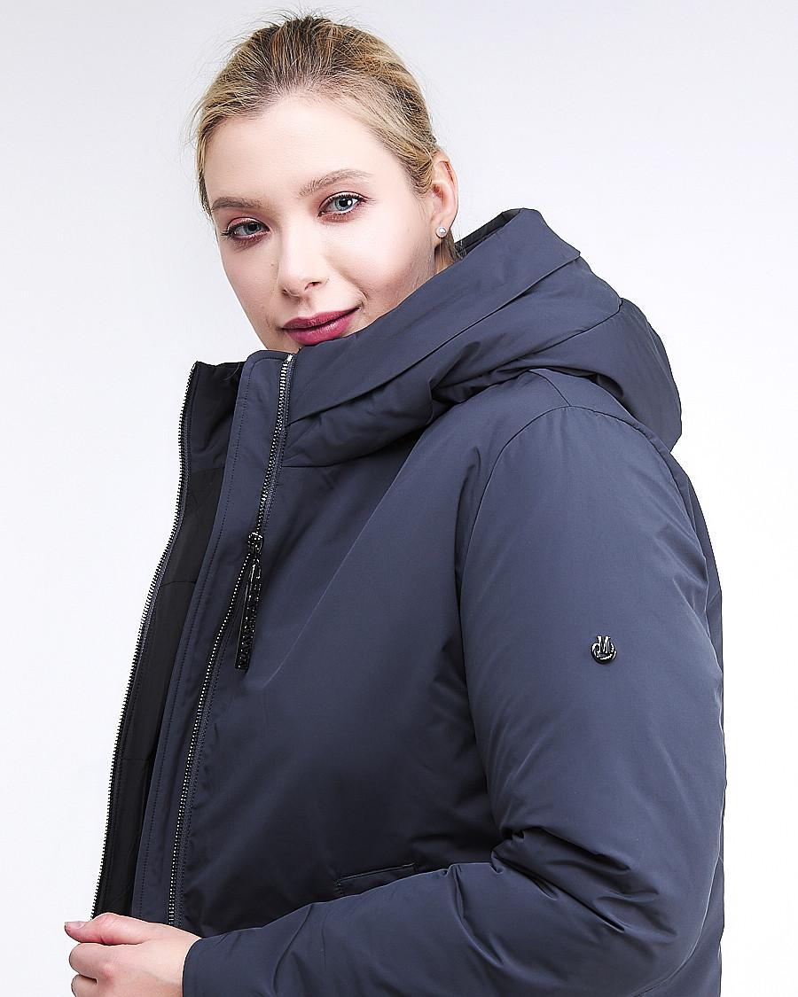 Купить оптом Куртка зимняя женская удлиненная темно-синего цвета 112-919_123TS в Казани