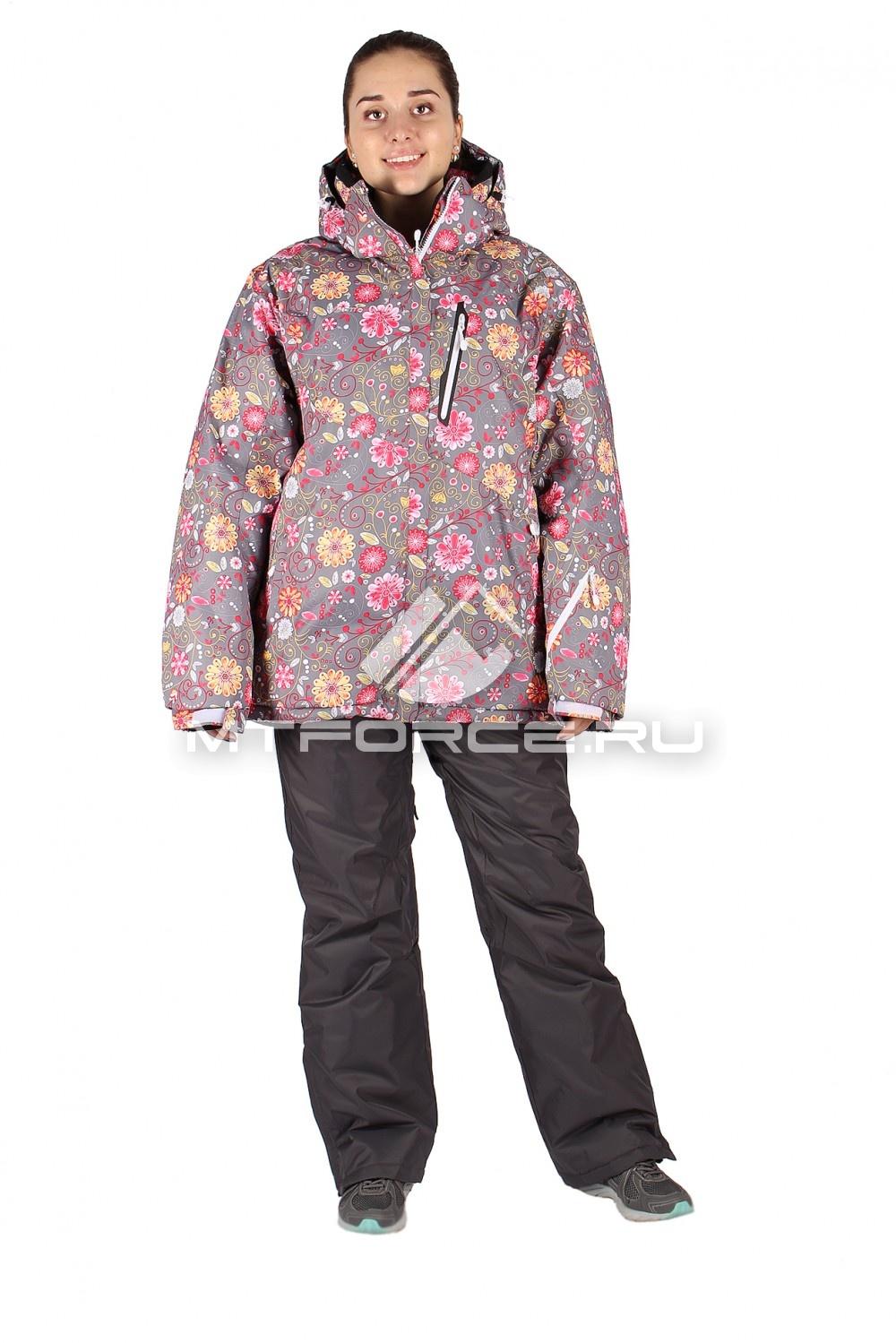 Купить оптом Костюм горнолыжный женский большого размера розового цвета 014111R