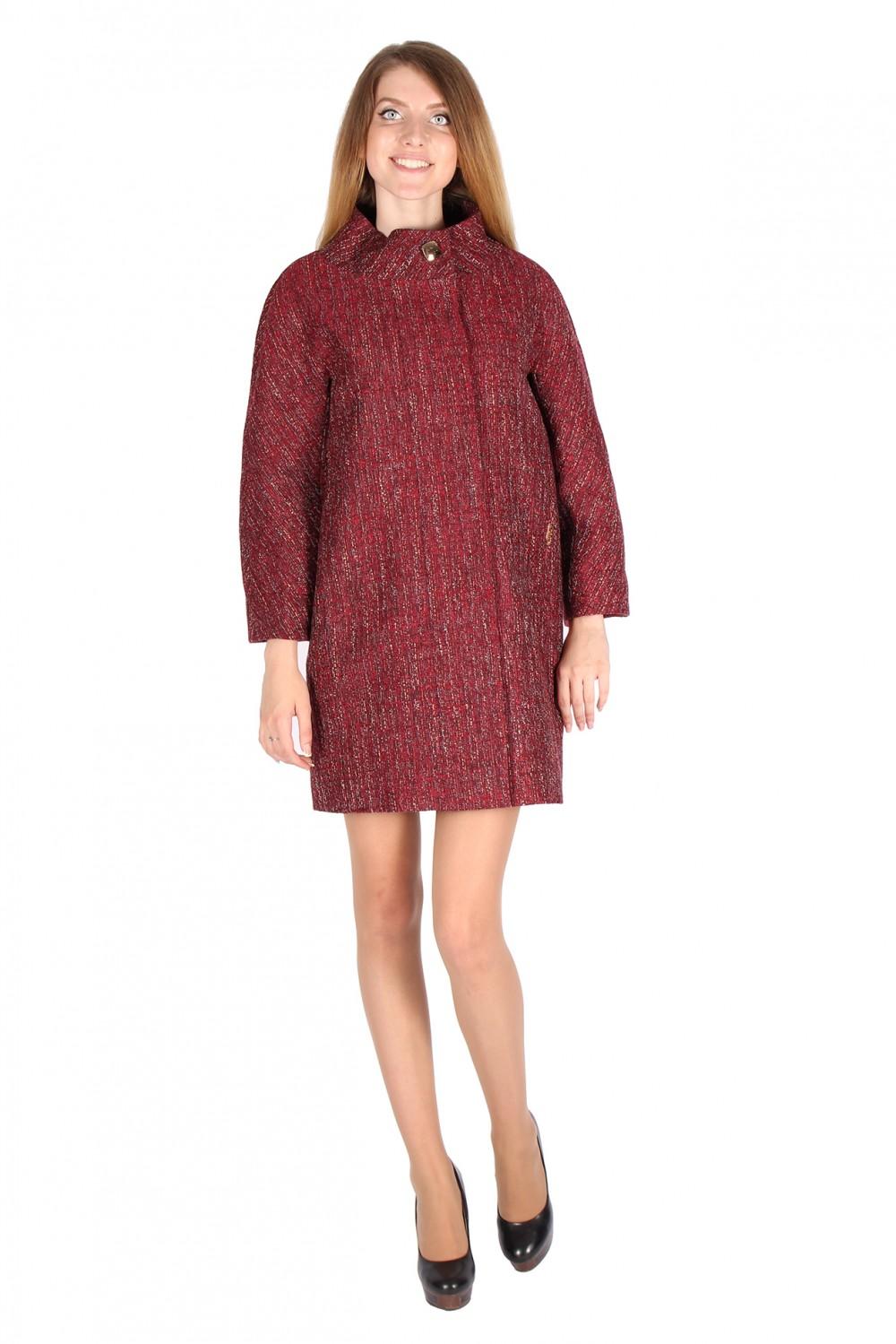 Купить оптом Полупальто женское бордового цвета 16301Bo в Омске