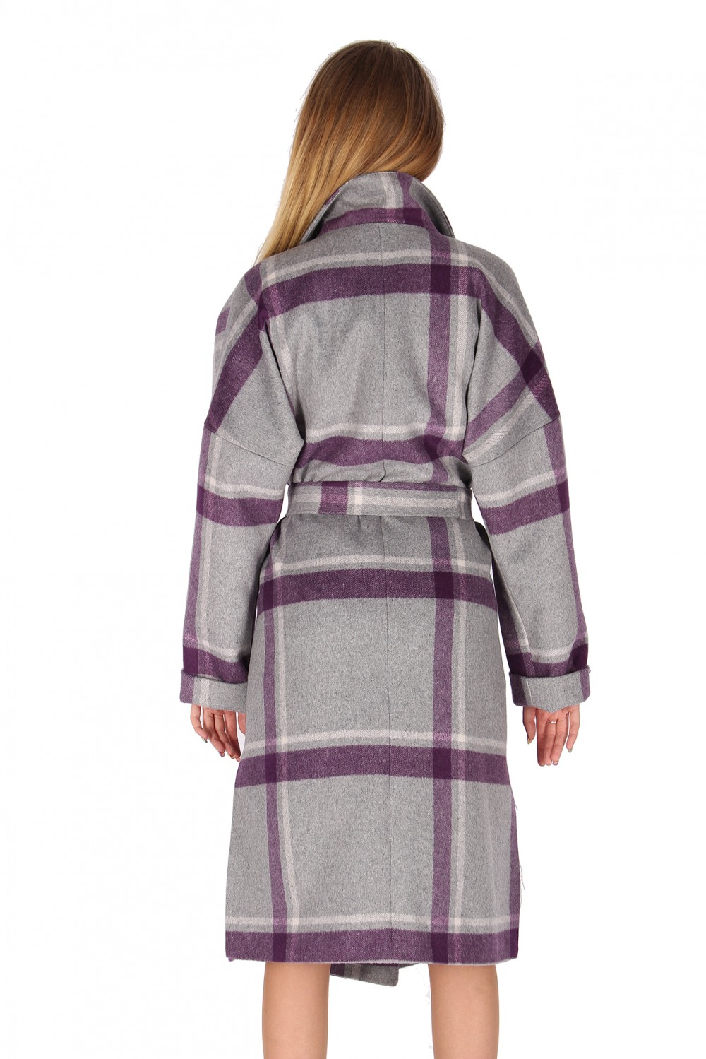 Купить оптом Пальто женское фиолетового цвета 16304F в Уфе