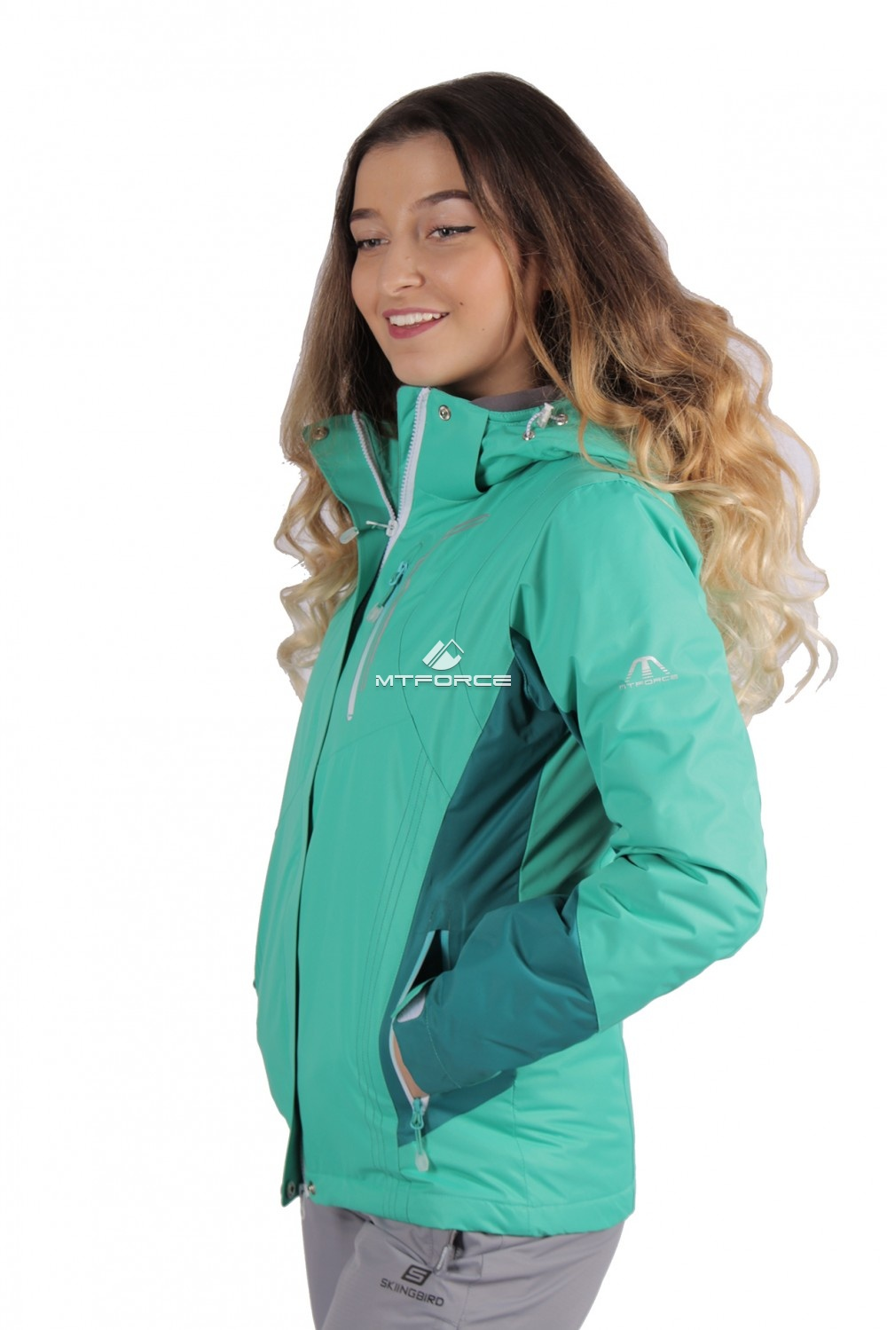 Купить оптом Куртка женская осень весна зеленый цвета 1713Z в Екатеринбурге