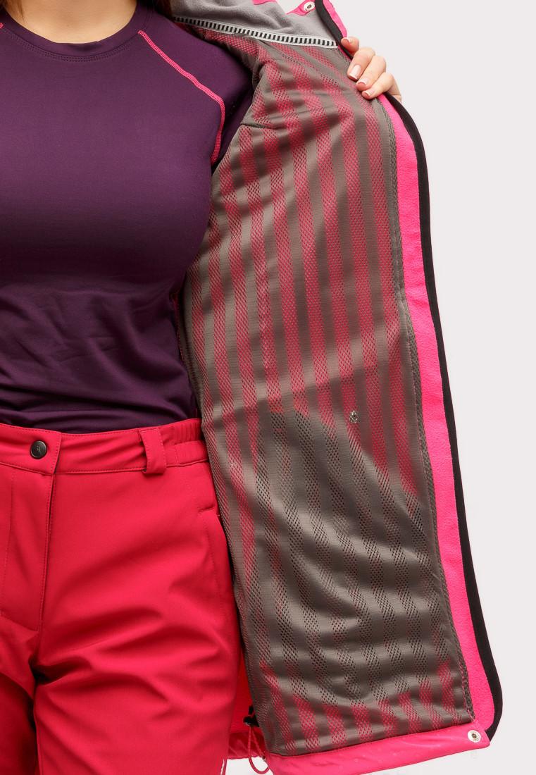 Купить оптом Ветровка softshell женская малинового цвета 18125М в Екатеринбурге