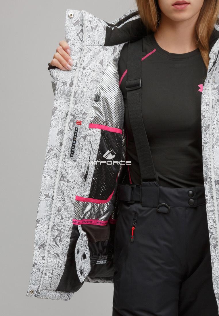 Купить оптом Костюм горнолыжный женский большого размера белого цвета 01830-1Bl