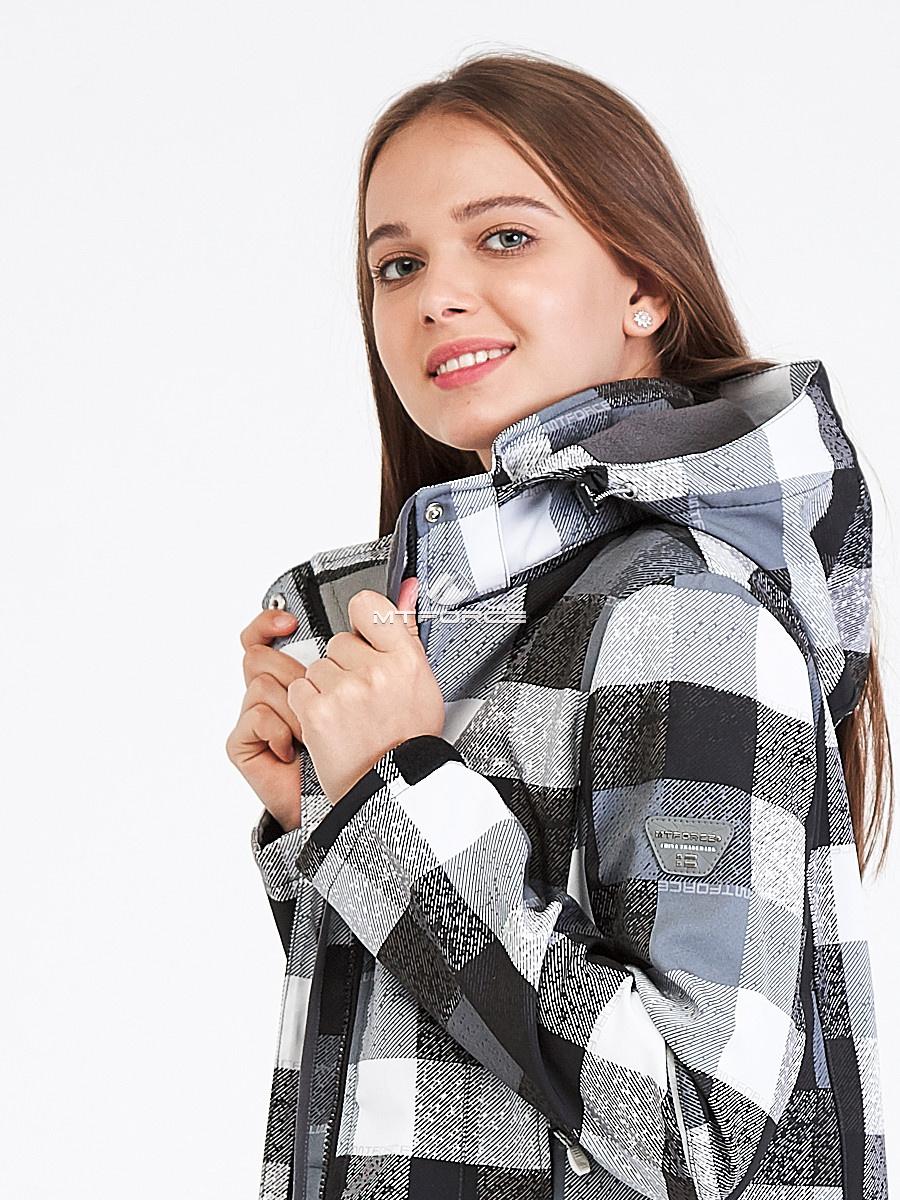 Купить оптом Парка женская осенняя весенняя softshell серого цвета 19221Sr