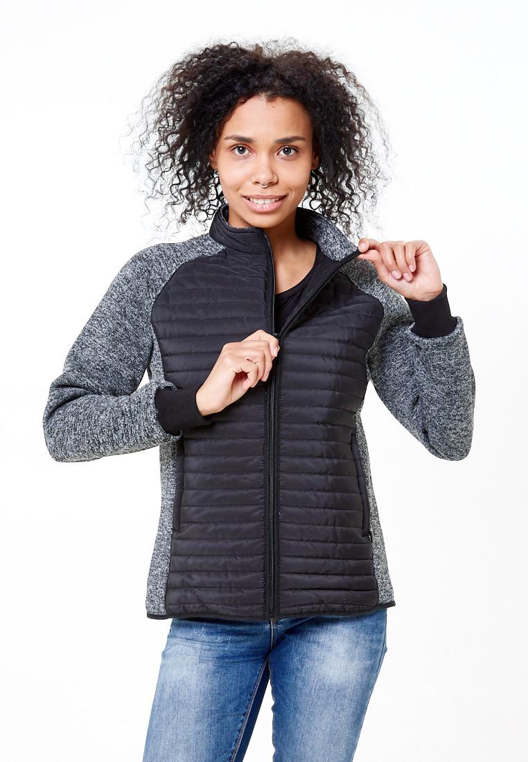 Купить оптом Молодежная стеганная куртка женская черного цвета 1960Ch