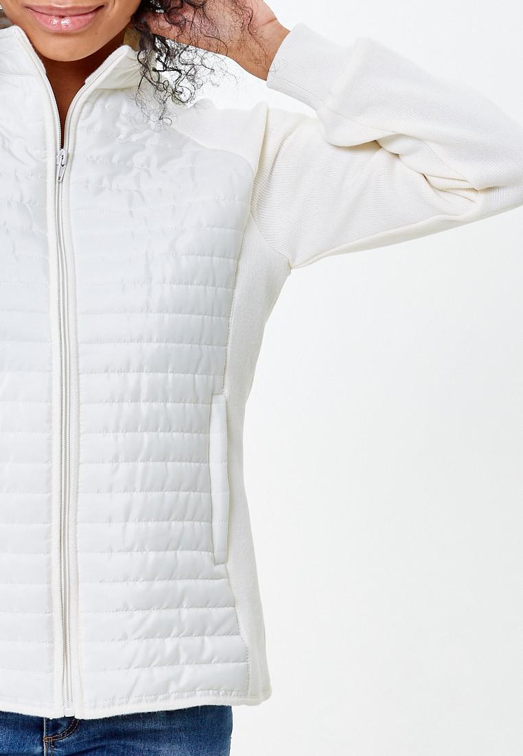 Купить оптом Молодежная стеганная куртка женская белого цвета 1960Bl