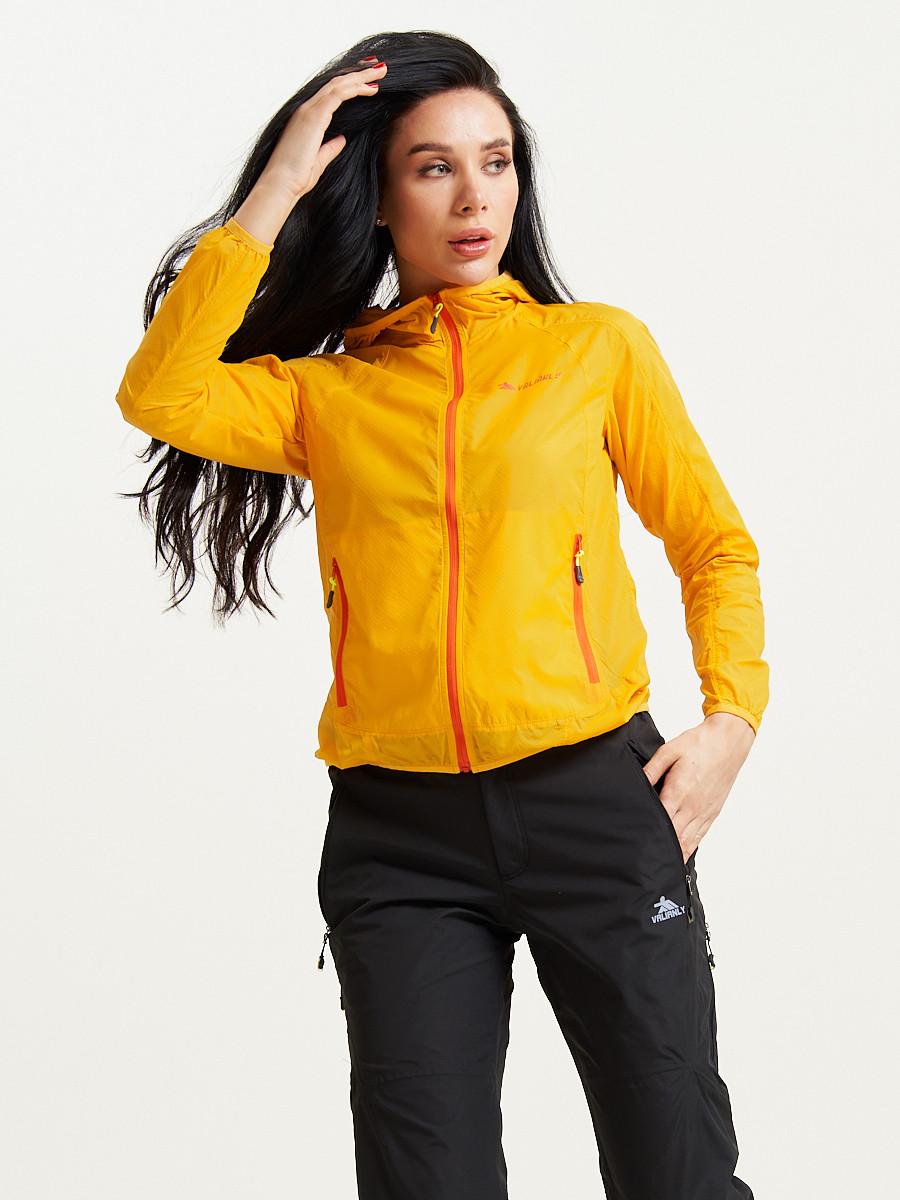 Купить оптом Ветровка спортивная Valianly женская желтого цвета 33417J в Екатеринбурге