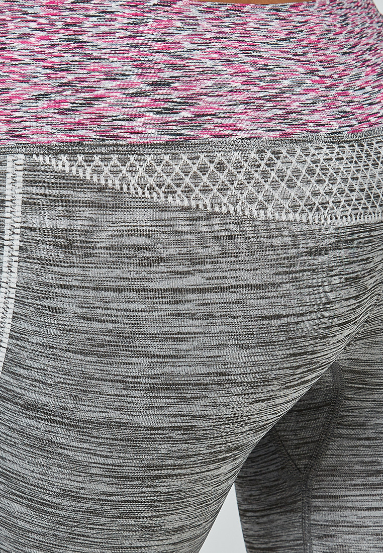 Купить оптом Брюки легинсы женские фиолетового цвета 3919F в Сочи