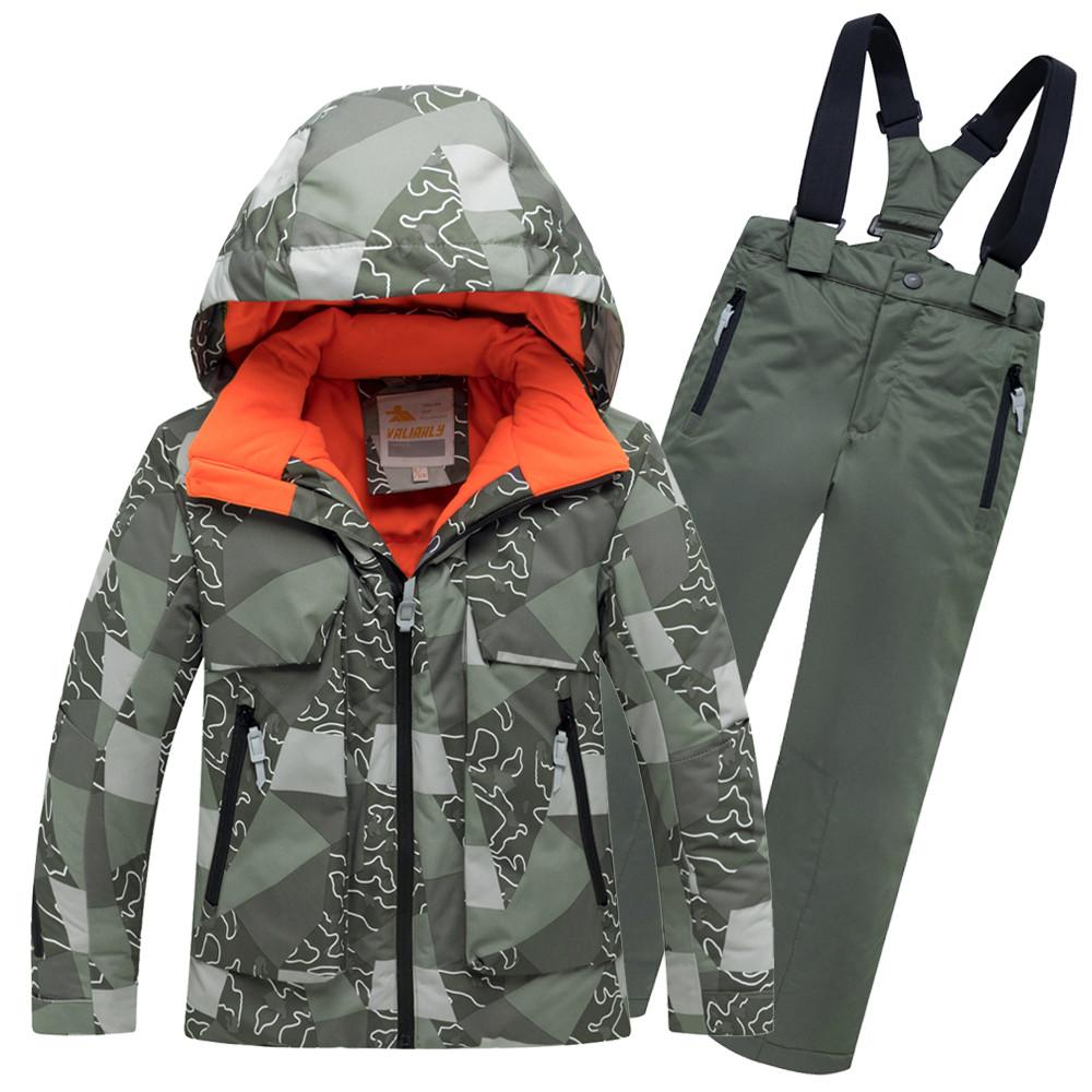 Купить оптом Горнолыжный костюм подростковый для мальчика цвета хаки 8923Kh в  Красноярске