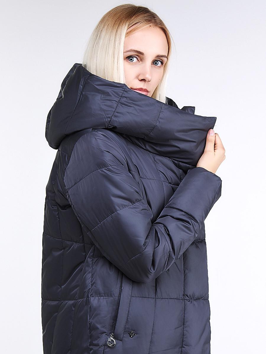 Купить оптом Куртка зимняя женская молодежная стеганная темно-серого цвета 9163_29TC