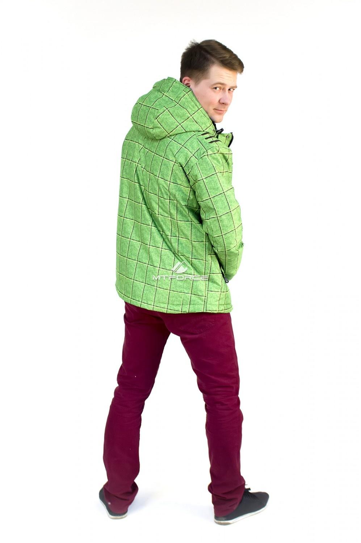 Купить оптом Куртка мужская осень весна зеленого цвета 1718Z в Омске