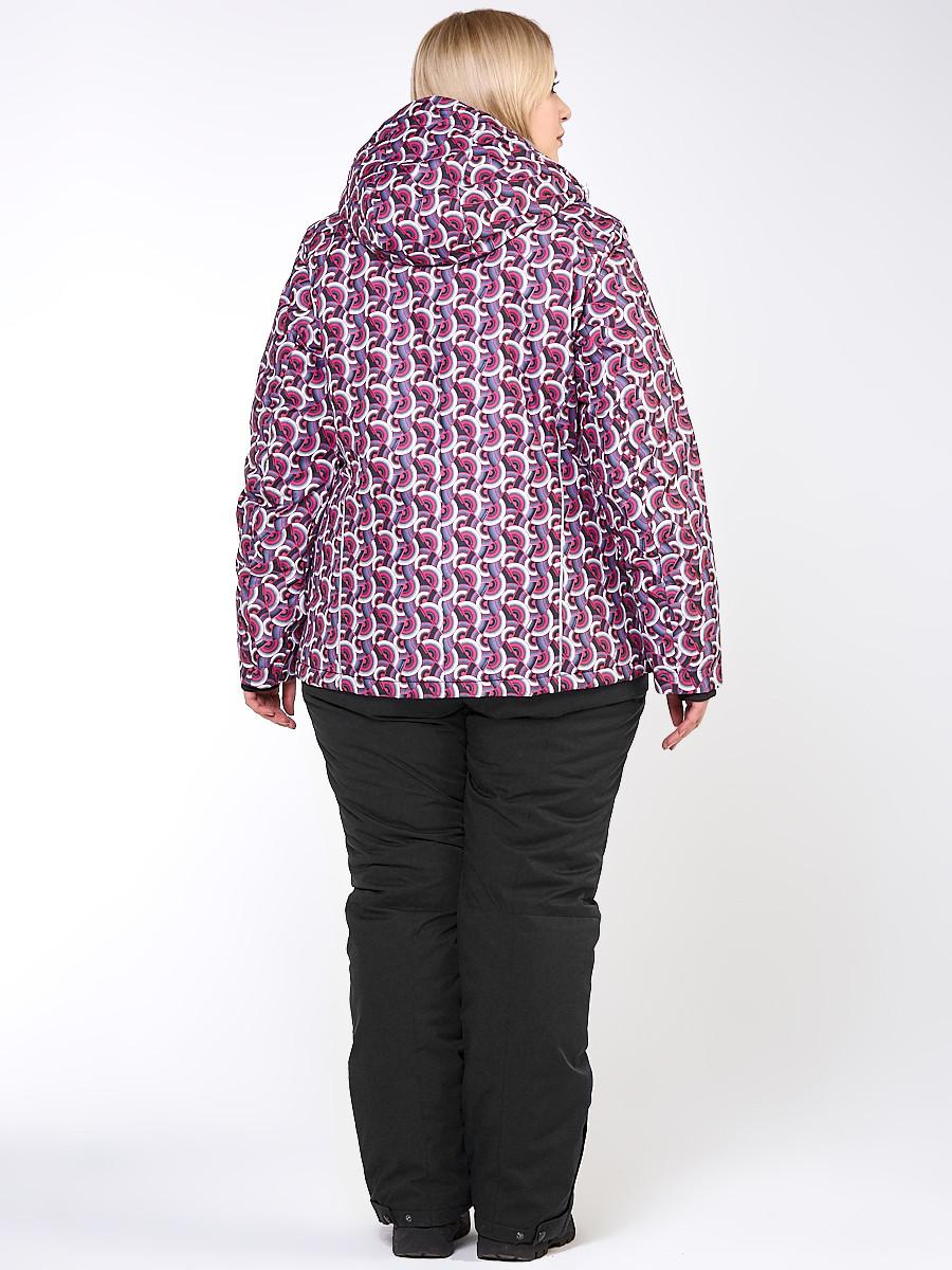 Купить оптом Костюм горнолыжный женский большого размера малинового цвета 018112М