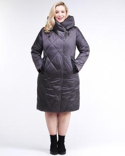 Купить оптом женскую зимнюю классику куртку большого размера темно-серого цвета в интернет магазине MTFORCE 105-917_58TC