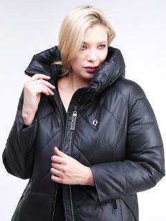 Купить оптом женскую зимнюю классику куртку большого размера черного цвета в интернет магазине MTFORCE 108-915_701Ch