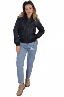 Куртка-бомбер женская свободного кроя из нейлона темно-синего цвета 1981TS в интернет магазине MTFORCE.RU