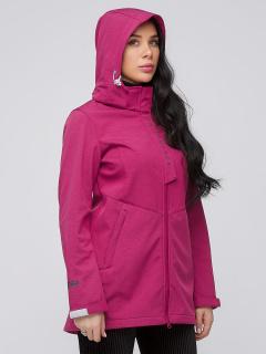 Купить оптом женскую осеннюю весеннюю парку softshell малинового цвета в интернет магазине MTFORCE 2021М