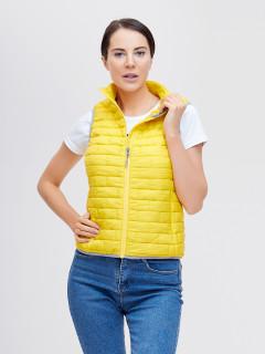 Купить оптом жилетка женскую стеганную утепленная желтого цвета 33311J в интернет магазине MTFORCE.RU