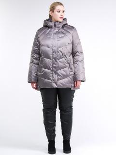Купить оптом женскую зимнюю классику куртку большого размера коричневого цвета в интернет магазине MTFORCE 85-923_48K
