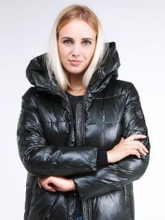 Купить оптом женскую зимнюю молодежную куртку с капюшоном темно-зеленного цвета в интернет магазине MTFORCE 9179_13TZ