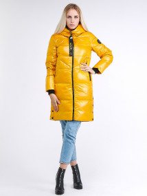 Купить оптом женскую зимнюю молодежную куртку с капюшоном желтого цвета в интернет магазине MTFORCE 9179_40J