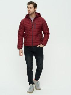 Купить оптом мужскую демисезонную стеганную куртку бордового цвета в интернет магазине MTFORCE 93349Bo