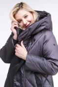 Оптом Куртка зимняя женская стеганная темно-серого цвета 105-917_58TC в Екатеринбурге, фото 6