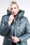 Оптом Куртка зимняя женская классическая  темно-зеленый цвета 108-915_16TZ в  Красноярске, фото 6