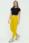 Оптом Штаны джоггеры женские желтого цвета 1302J в Екатеринбурге, фото 4