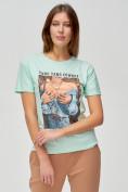 Оптом Женские футболки с принтом салатового цвета 1601Sl