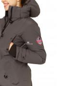 Оптом Куртка парка зимняя женская темно-серого цвета 1802TC в Казани, фото 7