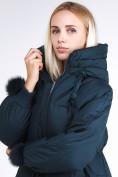 Оптом Куртка зимняя женская молодежная с помпонами  темно-зеленого цвета 1943_03TZ в  Красноярске, фото 8