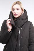 Оптом Куртка зимняя женская классическая одеяло коричневого цвета 191949_09K в  Красноярске, фото 7