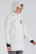 Оптом Куртка парка зимняя женская белого цвета 1949Bl в  Красноярске, фото 8