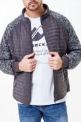 Оптом Молодежная стеганная куртка мужская темно-серого цвета 1961TC в Казани, фото 4