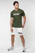 Оптом Мужская футболка с надпесью хаки цвета 221038Kh в Екатеринбурге, фото 3