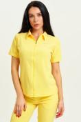 Оптом Спортивная футболка поло женская желтого цвета 33412J