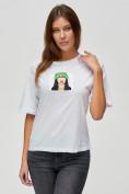 Оптом Женские футболки с принтом белого цвета 50003Bl в Екатеринбурге