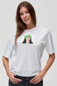 Оптом Женские футболки с принтом белого цвета 50003Bl в Екатеринбурге, фото 5