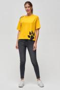 Оптом Женские футболки с принтом желтого цвета 50004J, фото 2