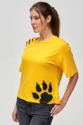 Оптом Женские футболки с принтом желтого цвета 50004J