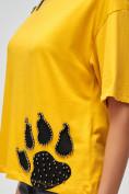Оптом Женские футболки с принтом желтого цвета 50004J, фото 5