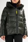 Оптом Куртка зимняя big size болотного цвета 72117Bt в Екатеринбурге, фото 10