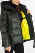 Оптом Куртка зимняя big size болотного цвета 72117Bt в Екатеринбурге, фото 17