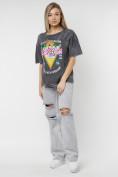 Оптом Женские футболки с принтом серого цвета 76015Sr в Екатеринбурге, фото 3
