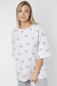 Оптом Женские футболки с принтом белого цвета 76032Bl в Екатеринбурге, фото 3