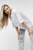 Оптом Женские футболки с принтом белого цвета 76032Bl в Екатеринбурге, фото 4