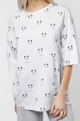 Оптом Женские футболки с принтом белого цвета 76032Bl в Екатеринбурге