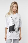 Оптом Женские футболки с принтом белого цвета 76098Bl в Казани, фото 3