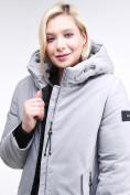 Оптом Куртка зимняя женская классическая серого цвета 86-801_20Sr в Казани, фото 6